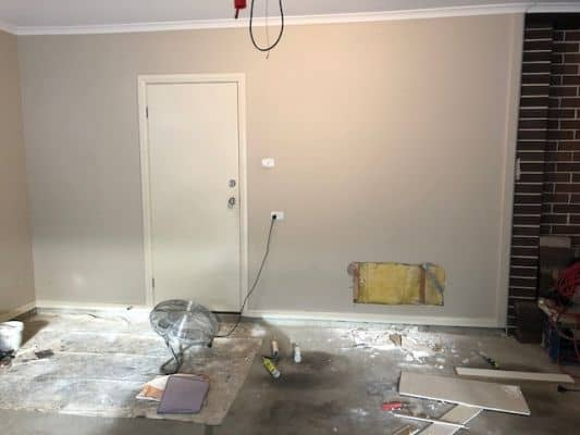 Professional Painter perfect repair of hole in Gyprock - the ponds, sydney
