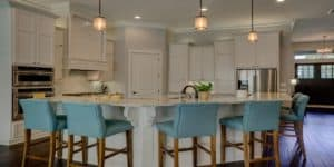Kitchen Cabinets & Built Ins